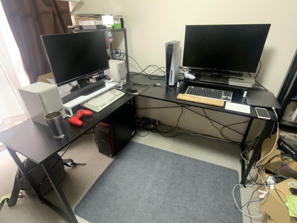 L-corner-desk